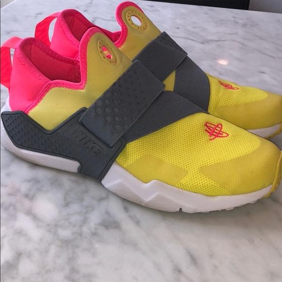 Nike Shoes | Huarache Yellow Gray And